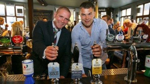 Phil Vickery and Lee Mears go behind the bar for Rugby ...