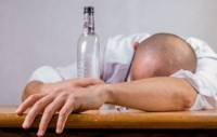 Off the wagon: men aren't supportive of women's choice to drink less