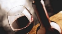 Raise a glass: MP joins WSTA to urge support for English wine and spirit makers